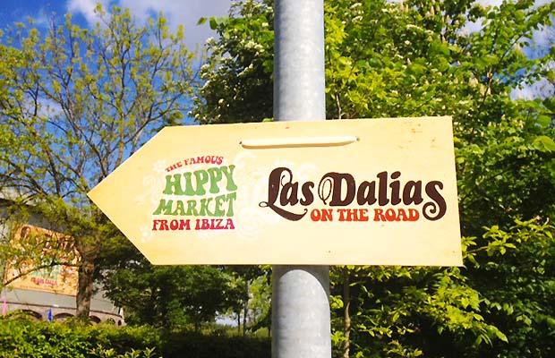 Las Dalias on the Road
